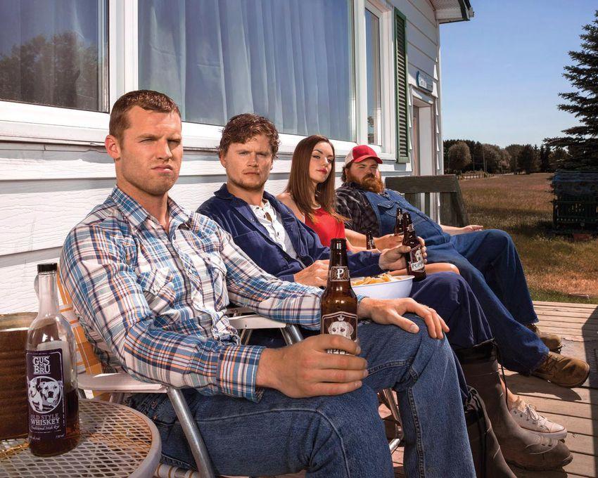 """캐나다 양 챔피언 : Jared Keso, 왼쪽에서 오른쪽, Nathan Dells, Michelle Millett, K.  트레버 윌슨. """"레터 카인."""""""