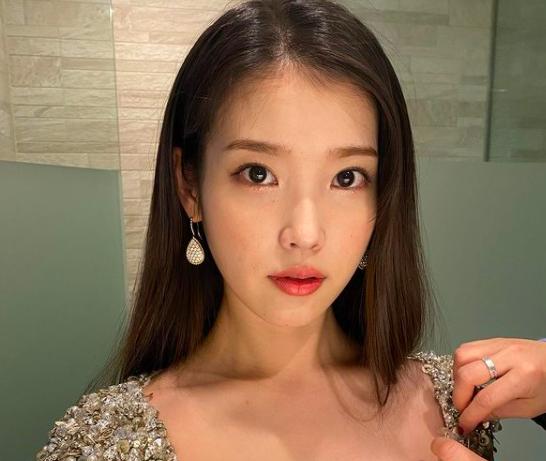 한국 스타 아이유, 중국 도플 갱어