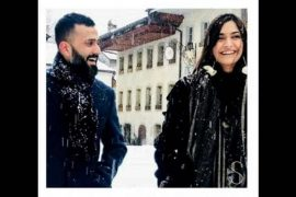 """Sonam Kapoor는 Anand Ahuja의 """"놀라운 남편"""", Entertainment News의 호감가는 게시물을 공유합니다."""