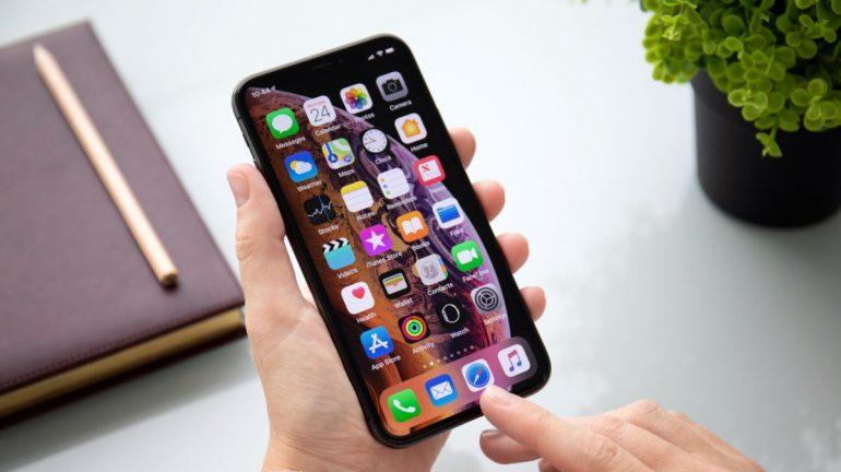 새로운 iPad Pro를 구매하기 전에 iPhone에 iOS 14.5가 설치됩니다.