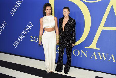 Kim Kardashian West와 Kourtney Kardashian