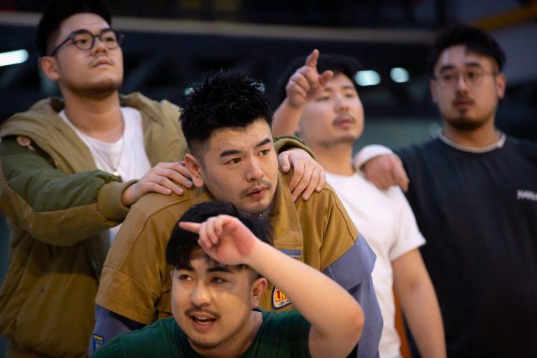 중국 '빅 사이즈'보이 그룹, 팬들에게 영감을 불어 넣다    미국의 소리