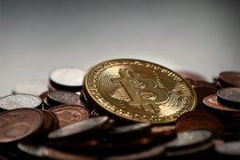 Cryptocurrency 교환은 비즈니스를 계속하기 위해 은행 및 금융 당국의 검토를 받고 있습니다.