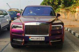 Mukesh Ambani의 두 번째 Rolls-Royce Cullinan은 첫 번째처럼 멋진 랩을 얻었습니다. [Video]