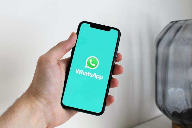 WhatsApp은 개인 정보 보호 정책을 수락하지 않아 앱 기능을 제한하지 않습니다.