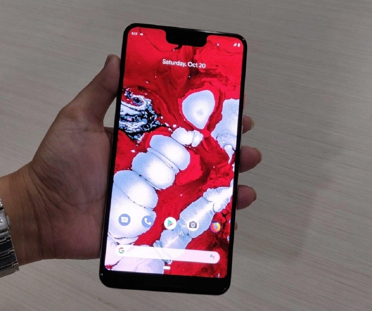 아니 2 |  Google Pixel 3 XL |  3,430mAh 배터리로 구동되는 스마트 폰은 6.3 인치 QHD + 디스플레이를 제공합니다.