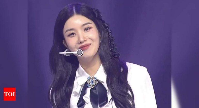 전 아이즈원(IZ*ONE) 리더 권은비가 솔로 데뷔를 확정했다.  기절 팬    케이팝 영화 뉴스