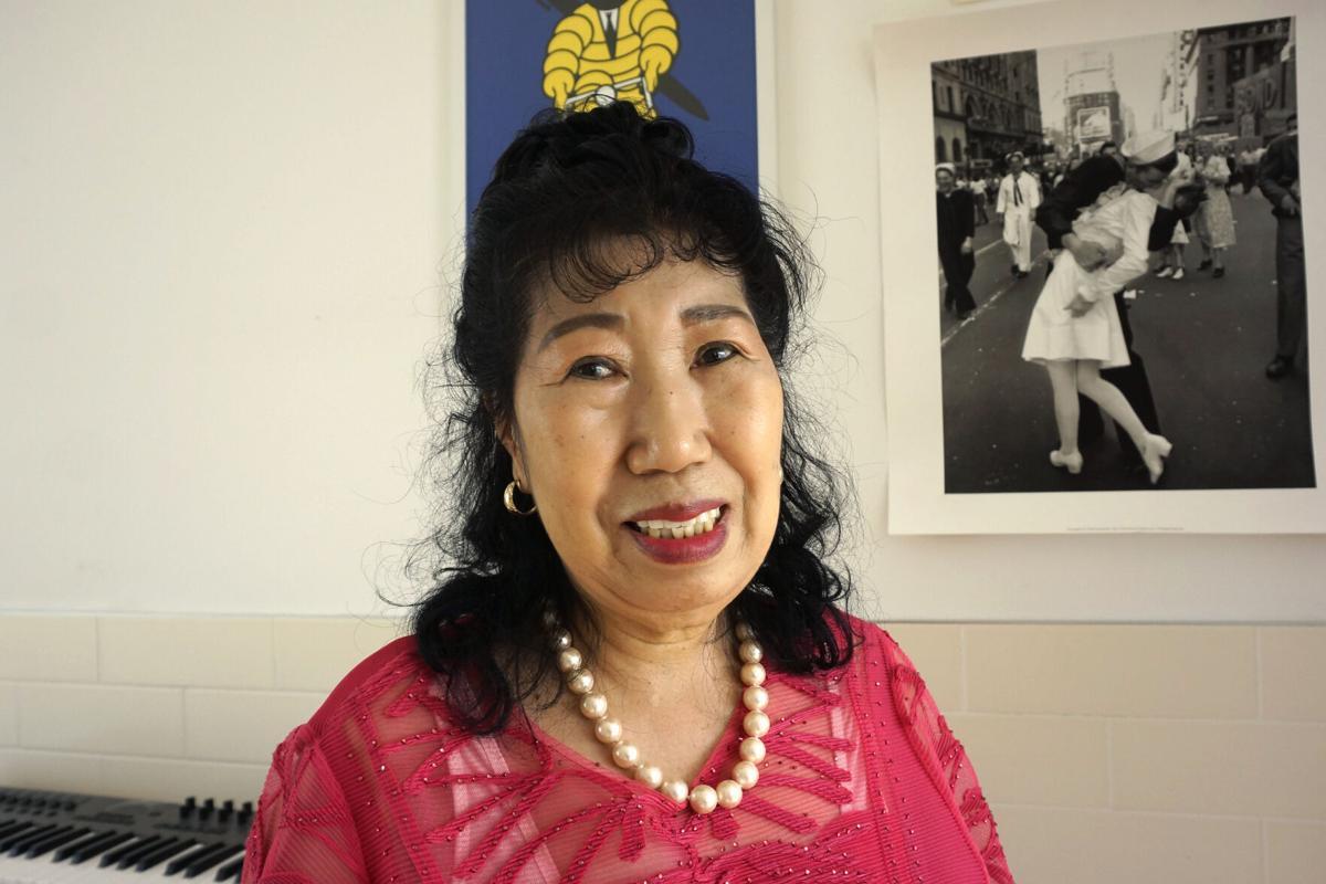 연로 한 여성은 한국 인플 루 언서의 새로운 이민자입니다